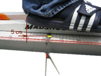 щуп не доходит до пятки ботинка на 3-5 см