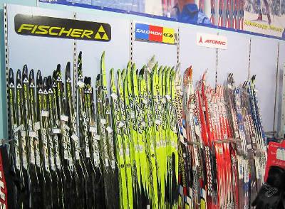 b7bbf508e69f Необходимо учитывать множество факторов  район, где будут использоваться  лыжи, стиль катания, уровень подготовки, вес и рост спортсмена, а также  множество ...